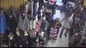¡Zasca del destino! Humillado en YouTube después de robar 600 dólares a una anciana en silla de ruedas