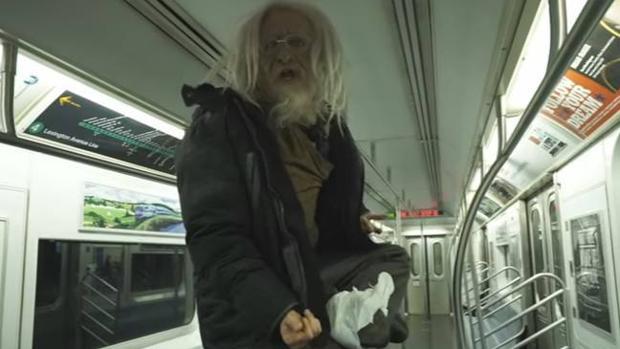 El mendigo que ha «levitado» en el metro de Nueva York