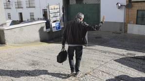 Facebook: La emotiva despedida de un colegio de Huelva a su profesor tras 30 años de servicio