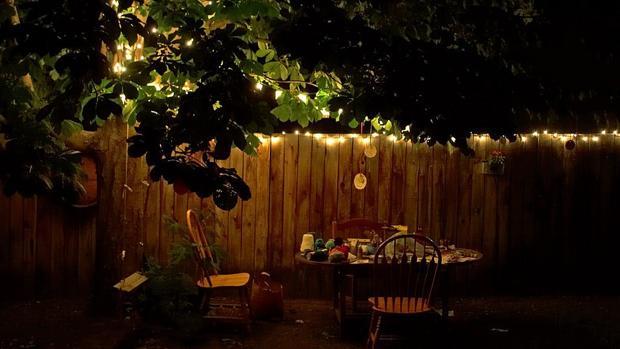 C mo iluminar un jard n con luces led - Iluminacion jardines pequenos ...