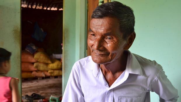 El campesino vietnamita Hai Ngoc, de 75 años, asegura no haber dormido un solo minuto desde hace 42 años
