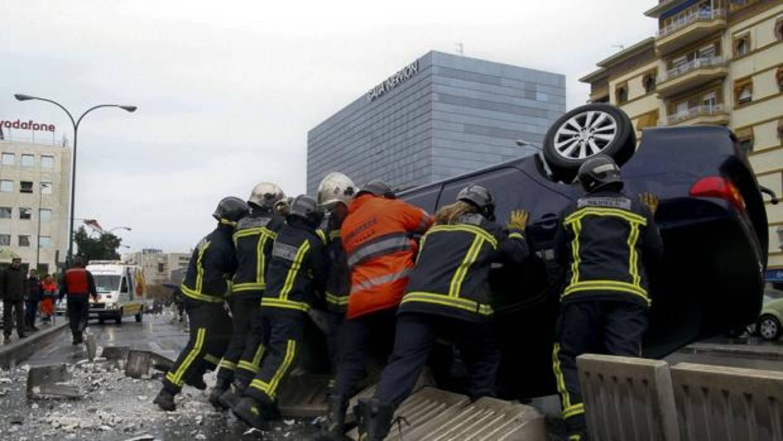 Resultado de imagen de Un conductor temerario causa dos accidentes de camión y sigue su camino sin detenerse