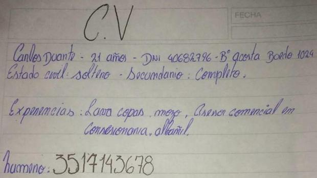 El CV escrito a mano por Carlos Duante