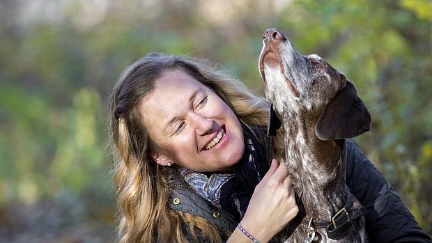 La autora del estudio con su perro