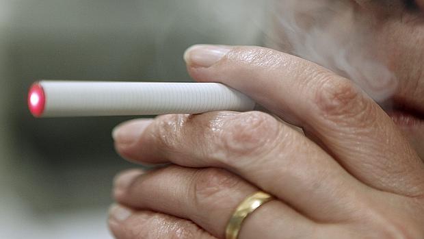 El debate sobre el cigarrillo electrónico continúa prendido