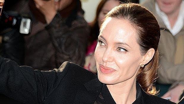 Angelina Jolie se sometió a una doble mastectomía para reducir su riesgo de cáncer de mama