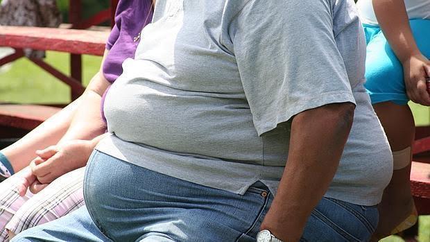 Los varones obesos podrían abocar a sus hijas a padecer cáncer de mama