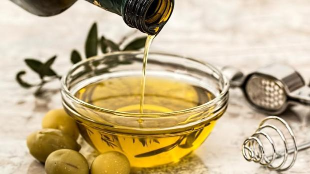 El aceite de oliva es fuente de ácidos grasos poliinsaturados