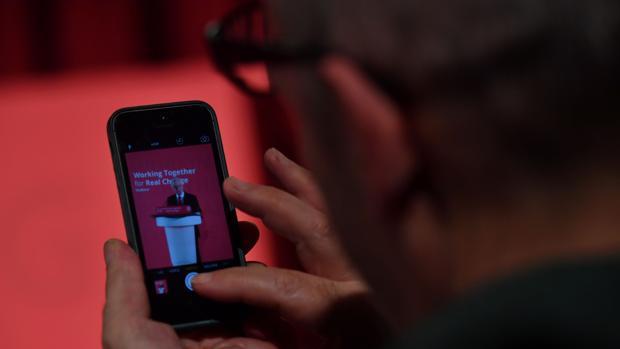 Consejos para prevenir la radiación de los teléfonos móviles y cómo identificar los más peligrosos