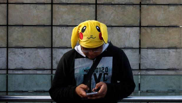 Un fan juego al Pokémon Go