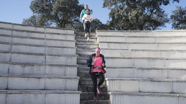 Bajar escaleras fortalece el fémur