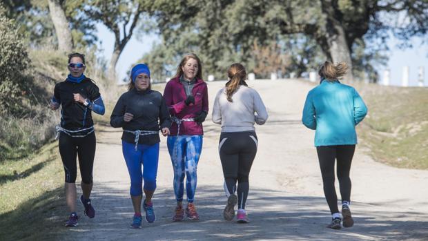 Correr, en compañía y al aire libre, una medicina poderosa frente a la menopausia