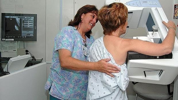 Vivir en un área con alta contaminación puede afectar a la densidad mamaria de las mujeres