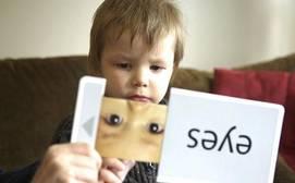 La intervención en los TEA puede iniciarse antes de que el niño cumpla su primer año