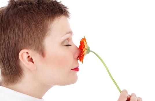 La pérdida del sentido del olfato podría alertar de un mayro riesgo de demencia