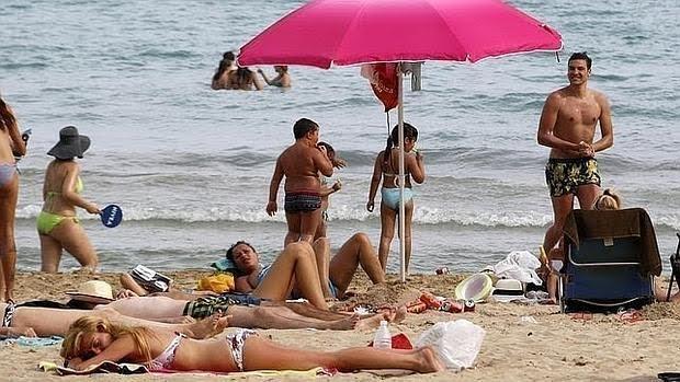 La exposición al sol es el principal factor de riesgo del melanoma