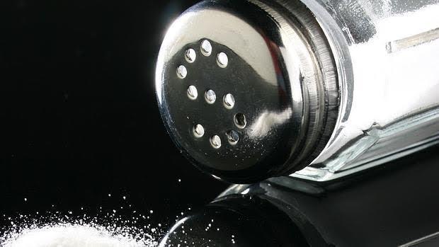 Abusar de la sal aumenta el riesgo de hipertensión arterial