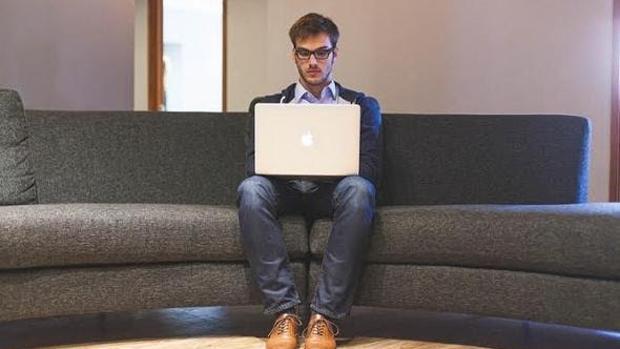 Pasar muchas horas diarias sentado es malo para la salud del corazón