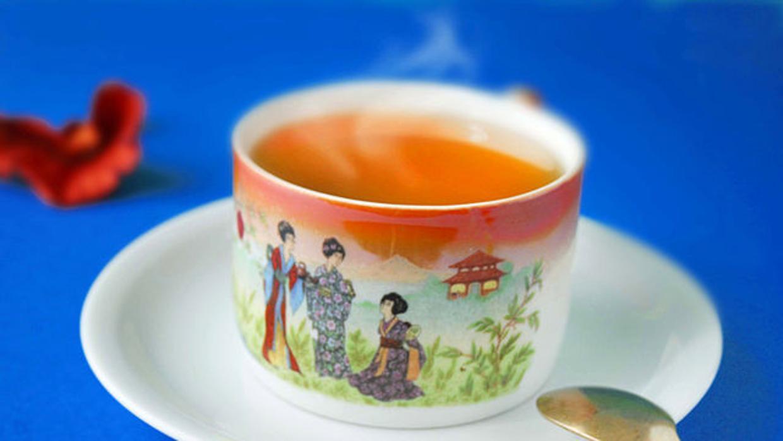 La peligrosa combinación entre el té caliente, el tabaco y el alcohol favorece el cáncer de esófago