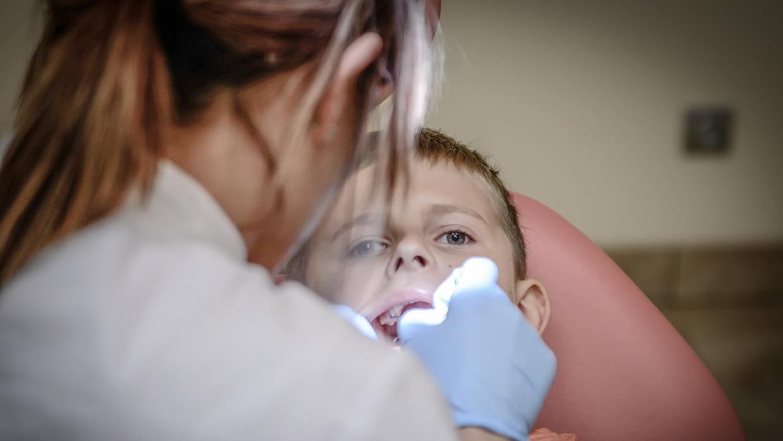 Diez falsos mitos sobre la salud de tus dientes