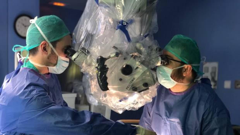 Robots y realidad aumentada en el quirófano