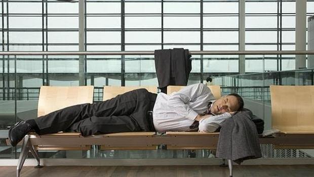 El cambio de husos horarios es una causa principal del jet-lag