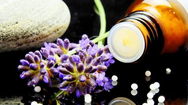 Sanidad autorizó en abril la comercialización de productos homeopáticos en farmacias