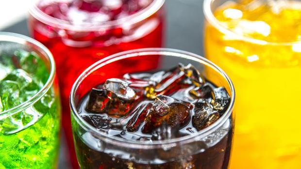 Las bebidas azucaradas son azúcares gratis pobres en nutrientes