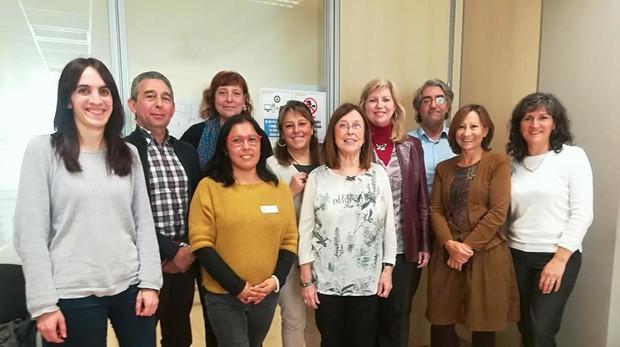 El grupo de investigación liderado por la profesora Àngela Domínguez, del departamento de Medicina de la UB