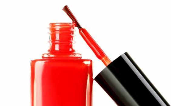 La OCU aconseja no abusar de los esmaltes de uñas semipermanentes