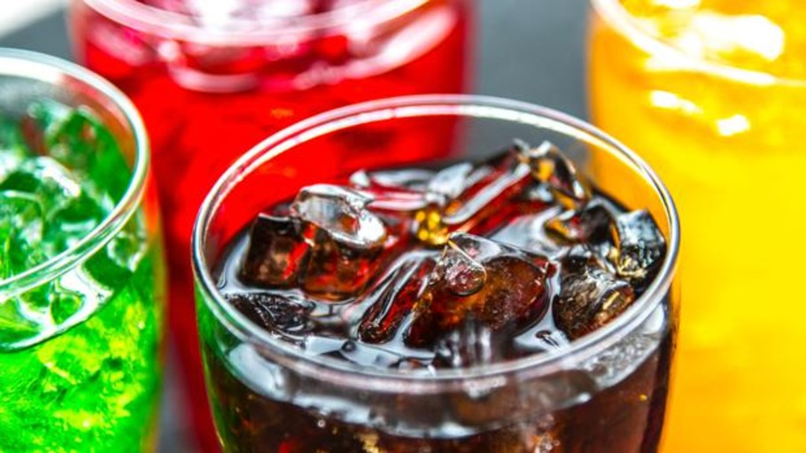 Un estudio vincula el consumo de bebidas vinculado con un mayor riesgo de muerte