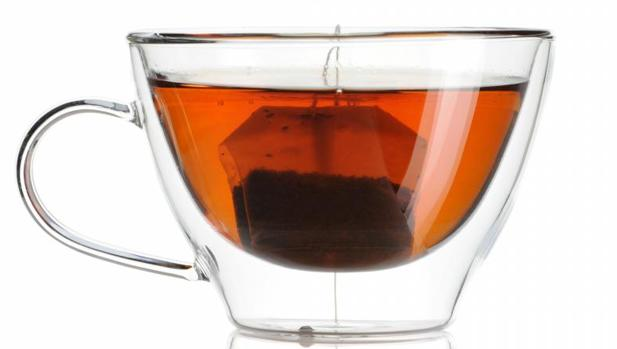 Es mejor esperar a que se enfríe el té antes de tomarlo
