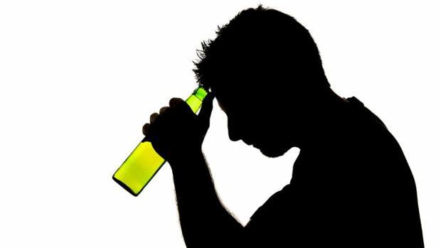 Los daños en el cerebro por el consumo de alcohol siguen progresando durante las seis primeras semanas de abstinencia