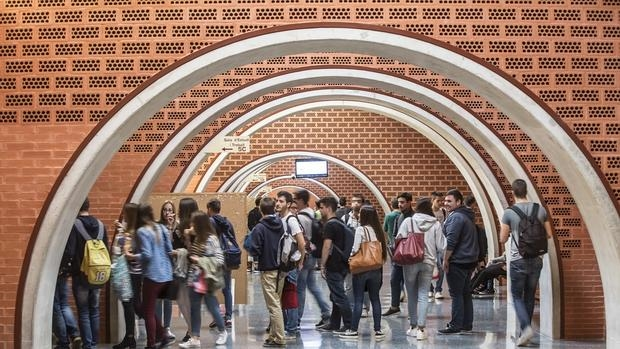 Alumnos en la Universidad de Valencia