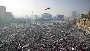 Celebración de la revolución en la plaza de Tahrir. Desde la primavera árabe en Egipto, la fotógrafa comenzó a trabajar en acoso sexual a mujeres