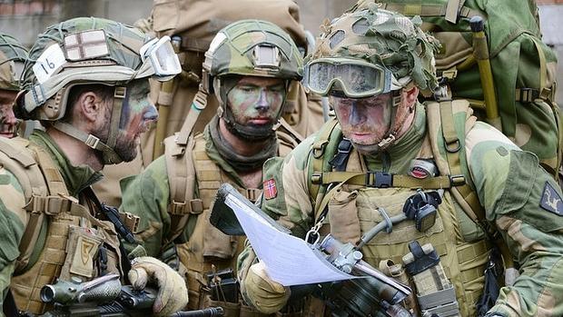 Soldados noruegos durante unas maniobras