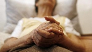 Portugal establece un sistema de premios y multas para reducir los tiempos de espera en los hospitales