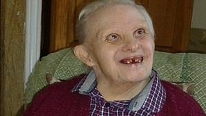 Kenny, el hombre con síndrome de Down más anciano del mundo, cumple 76 años