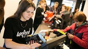 Abre el primer supermercado que vende la comida que otros tiran