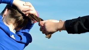 Cinco adolescentes le dan una paliza a una menor de 12 años en el recreo del instituto en Ceuta