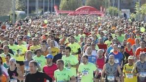 ¿A qué velocidad debo correr y cuántos minutos para que no haya riesgo?