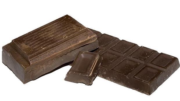El chocolate negro, por su alto contenido en cacao, en rico en antioxidantes