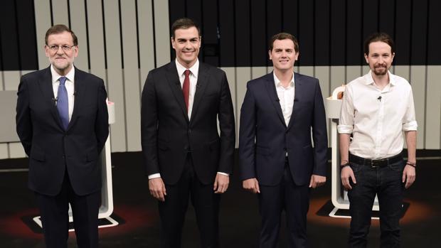Sánchez, Iglesias y Rivera regalan el debate a Rajoy