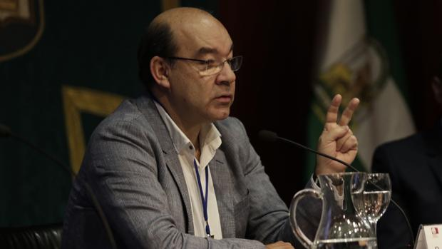 El periodista de COPE, Ángel Expósito, ganador del Premio Defensa 2016