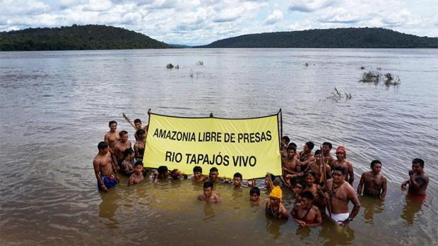 Acción de Greenpeace en la Amazonia para salvar la tribu Mundurukú y su entorno