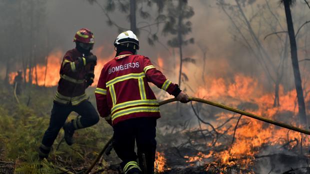 Hemeroteca: Portugal pide ayuda urgente a España para luchar contra la oleada de fuegos   Autor del artículo: Finanzas.com