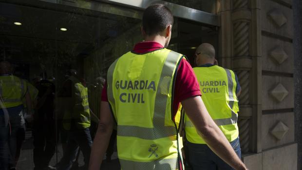 Efectivos de la Guardia Civil. Foto de archivo