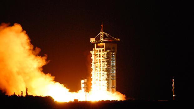 Lanzamiento del satélite, este martes, en la provincia de Gansu