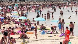 Un millón de turistas ponen a prueba las infraestructuras de Baleares