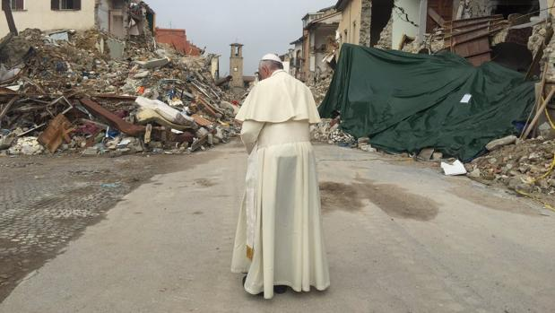 Hemeroteca: El Papa viaja a Amatrice para visitar la zona afectada por el terremoto   Autor del artículo: Finanzas.com